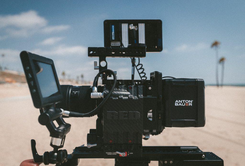 كاميرتك السينمائية