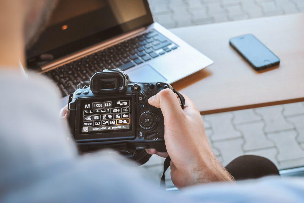 كيف تفحص الكاميرا المستعملة قبل شرائها