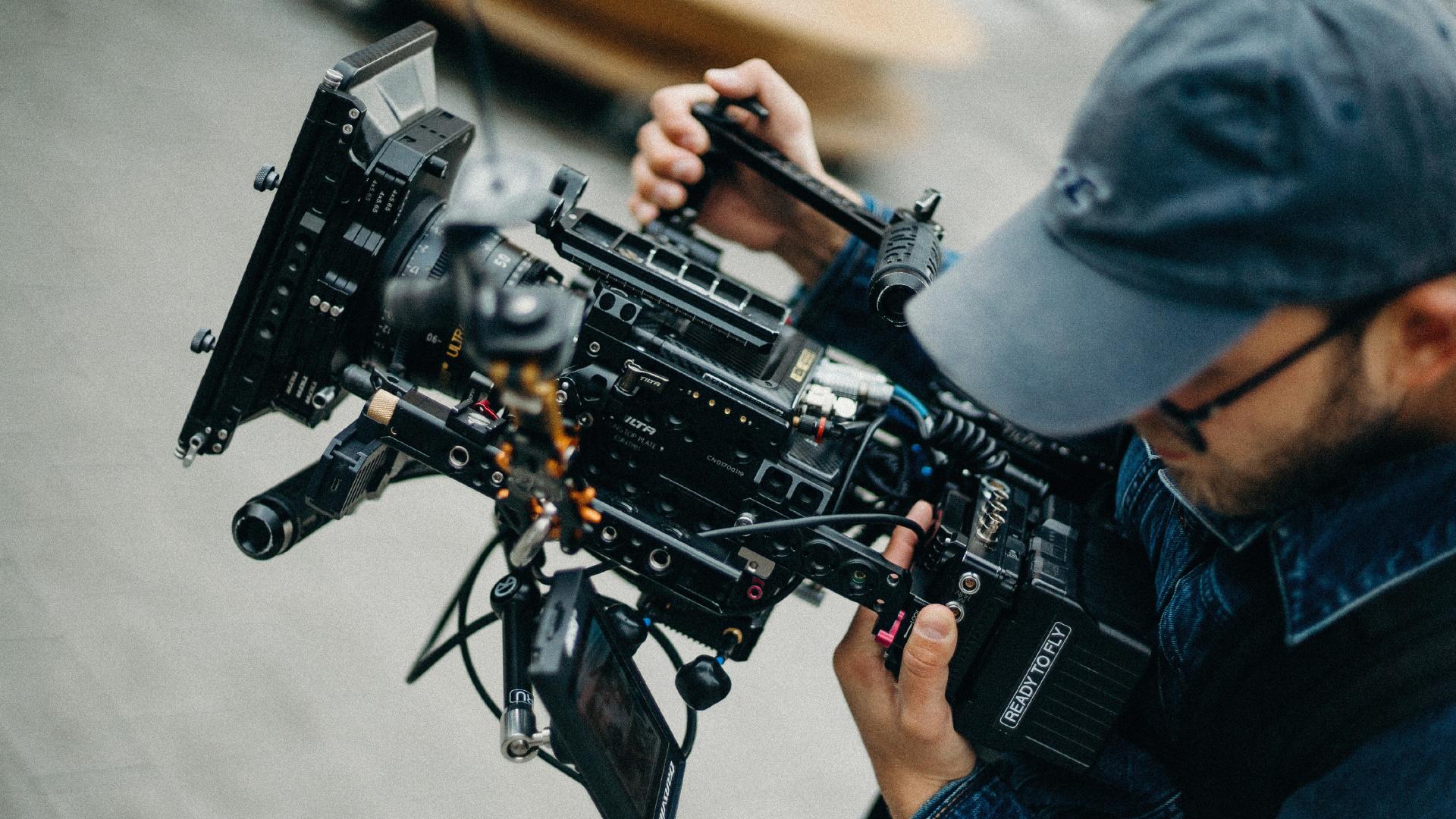 من هو مدير الإضاءة والتصوير – director of photography